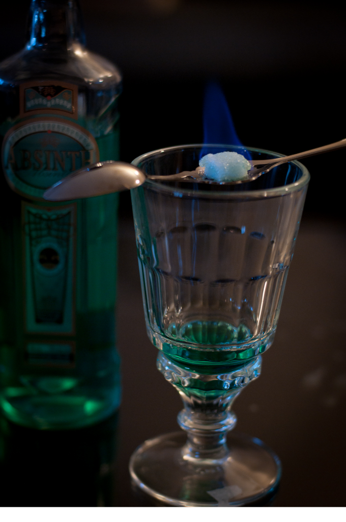Absinthe_Bohemian_Ritual_(burning_the_sugar)