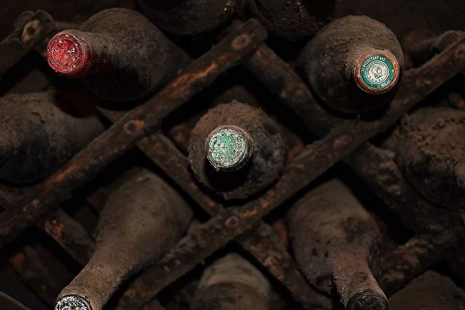 eski şarap şişeleri