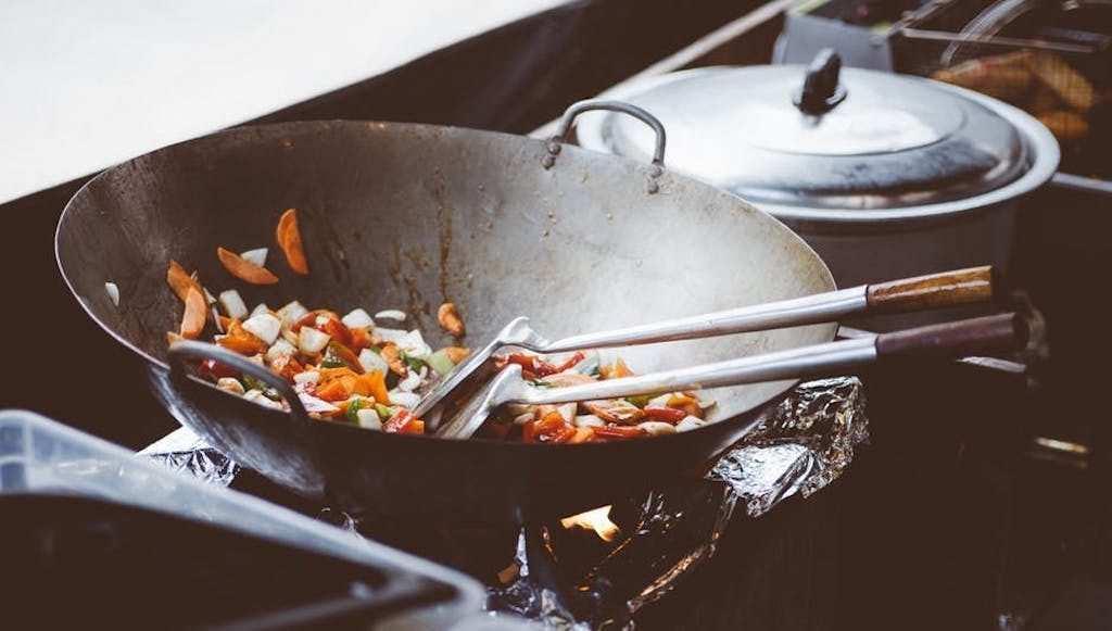 wok tava, yemek