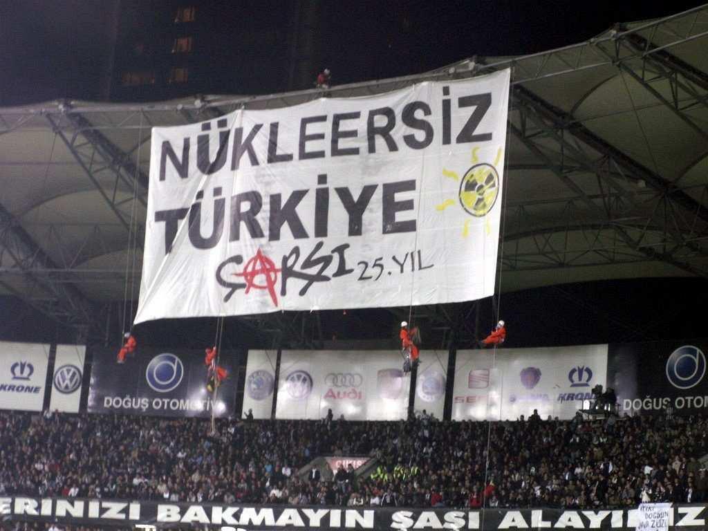 çarşı pankart nükleersiz türkiye