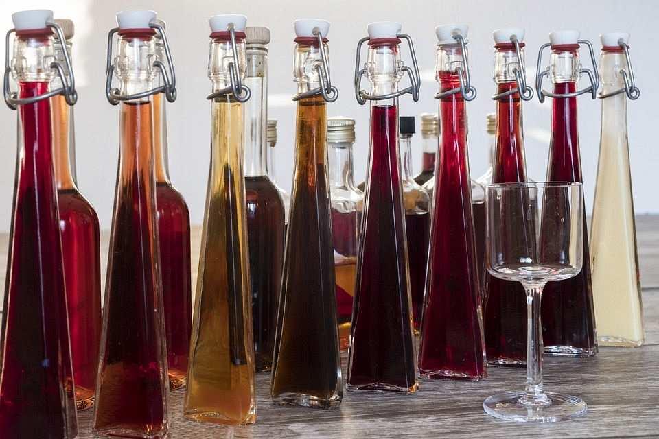 likör şişeleri