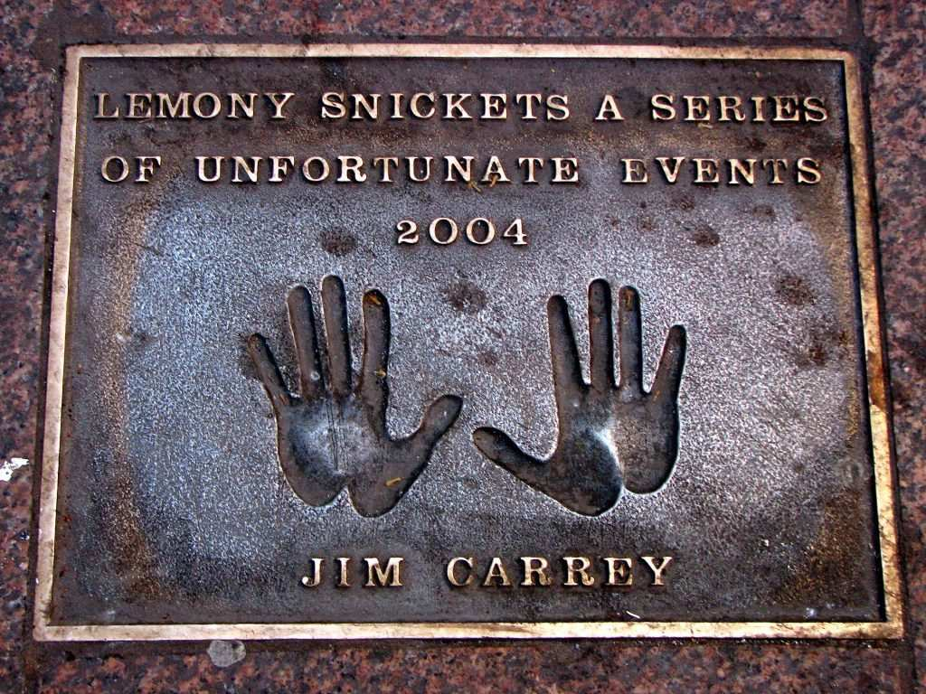 jim carrey hands