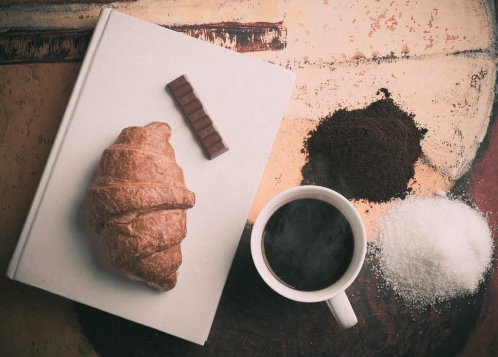 filtre kahve kuruvasan