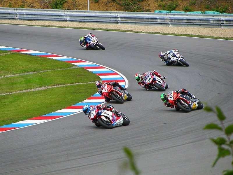 motosiklet pist yarışı