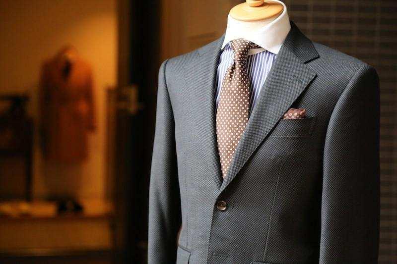 diderot etkisi cansız manken üzerinde takım elbise
