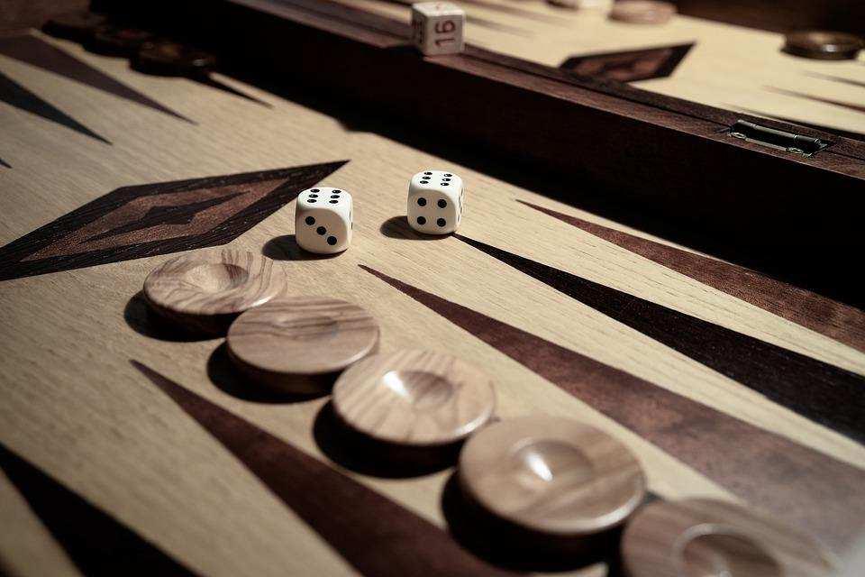 iki kişilik masa oyunları tavla