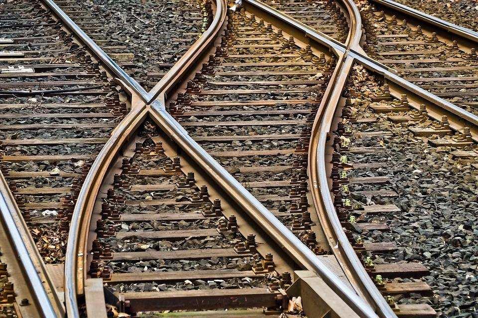 tren rayı seçim karar