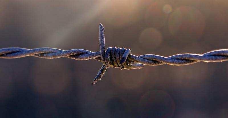 gizli başarısızlık korkusu engel tel örgü
