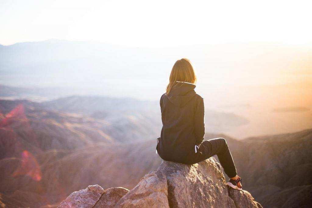 doğa kadın trekking