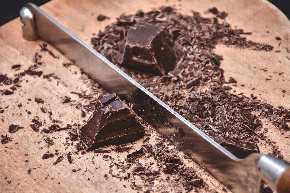 kesilmiş çikolata barı