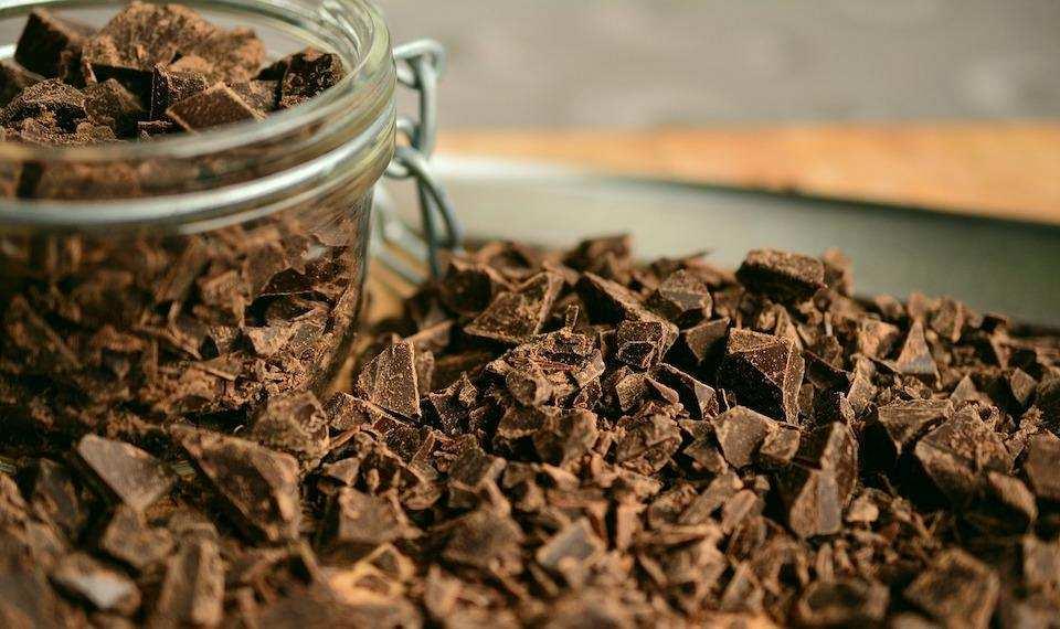 parça katı çikolata