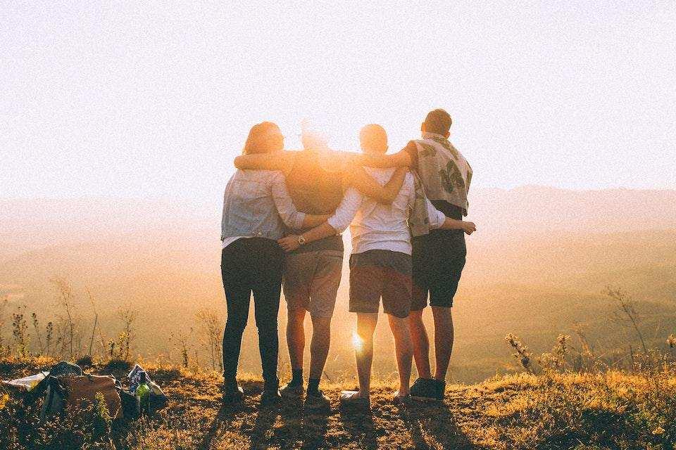 başarılı bir topluluk nasıl organize edilir birliktelik insanlar günbatımı