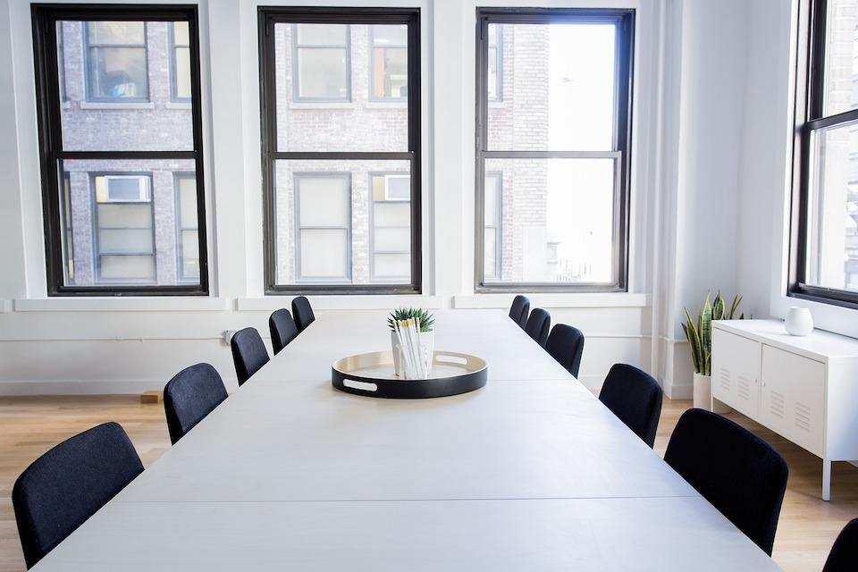 iş görüşmesi nasıl yapılır toplantı odası