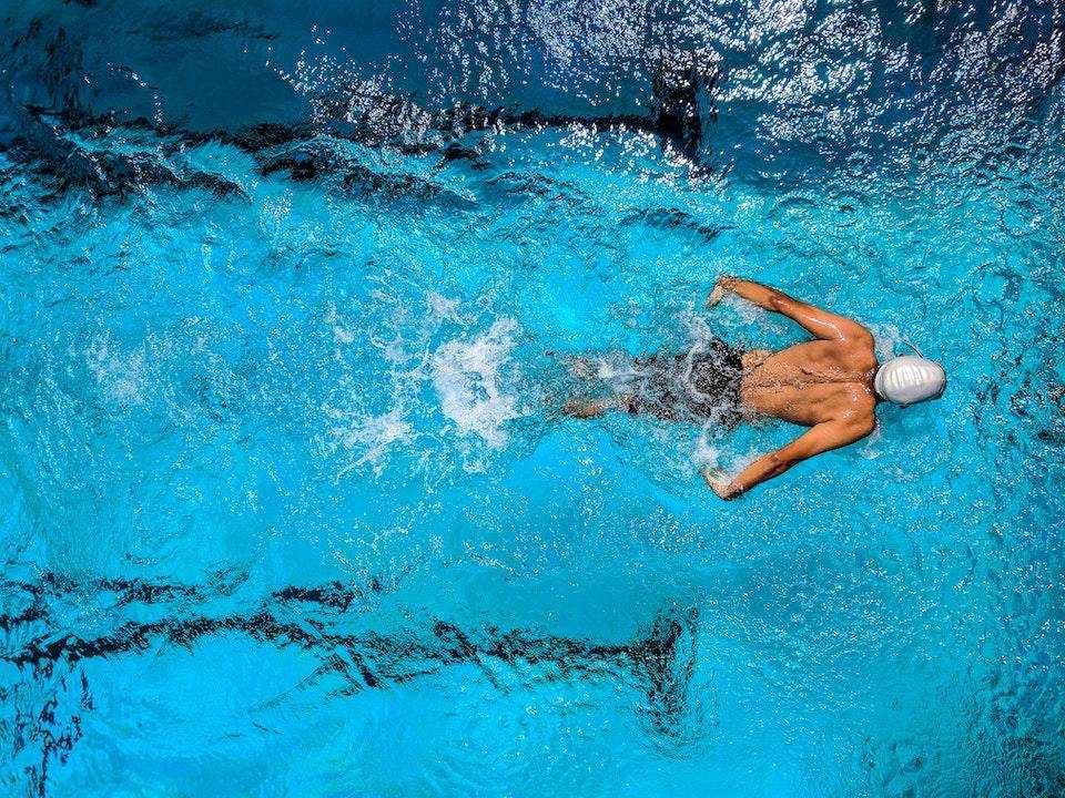 yüzme sporcu sağlıklı yaşam