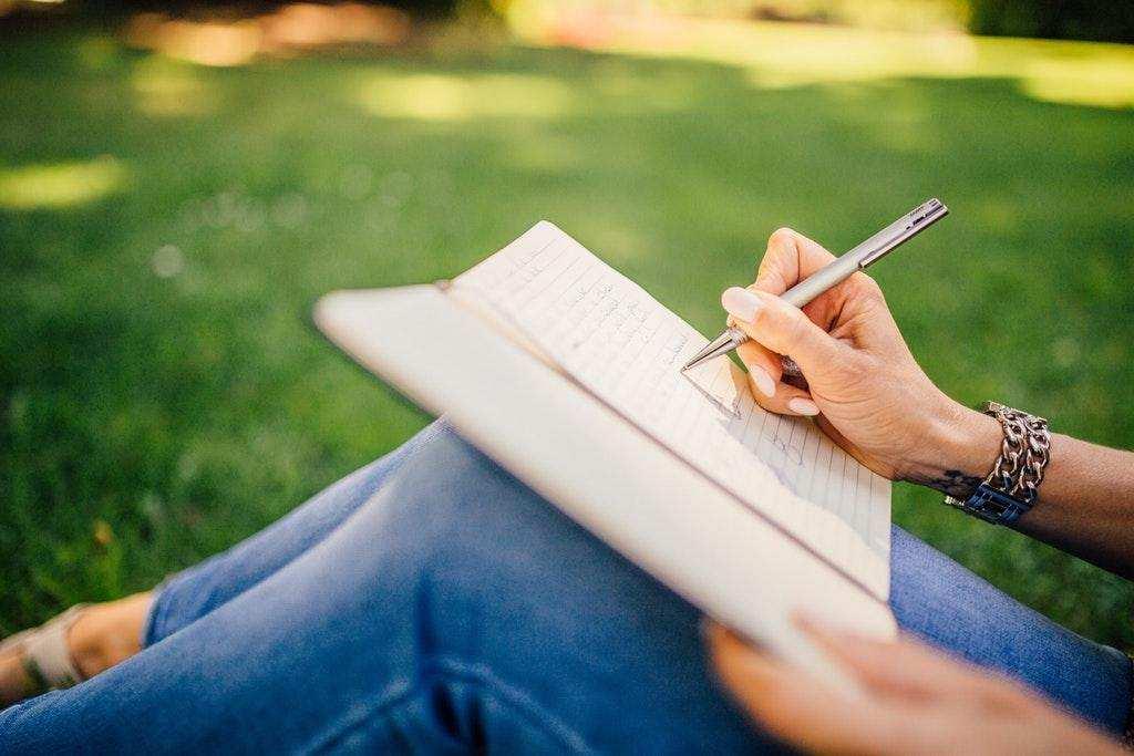 grafoloji kadın yazı